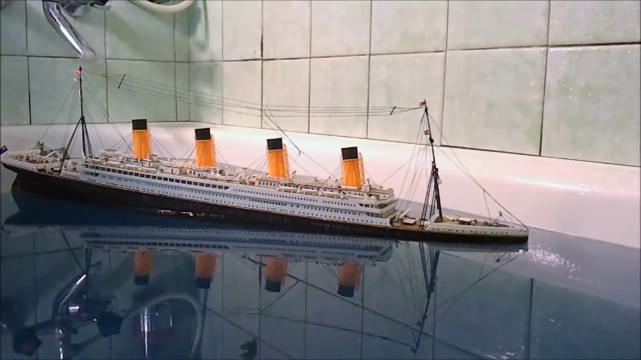 Toys R Us Titanic Model : Rms titanic the unbreakable sinking model youtube