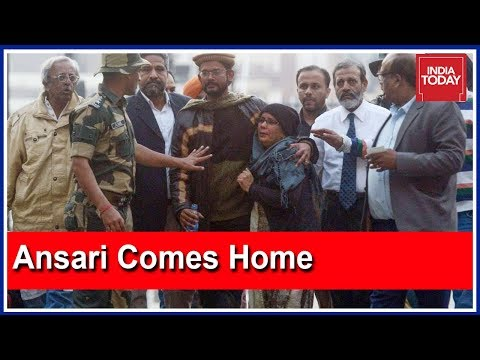 Hamid Ansari Reunites With His Family At Wagah Border