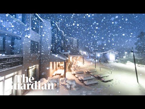 Wild Weather In Victoria Dumps Snow, Snaps Frankston Pier Near Melbourne