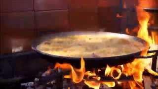 Learning How To Cook the Paella Valenciana