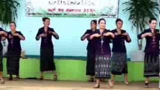 Repeat youtube video เต้นบาสโลป - บีกินนครพนม ที่ 1 ม.9 ต. โพนทอง ตอนที่ 2