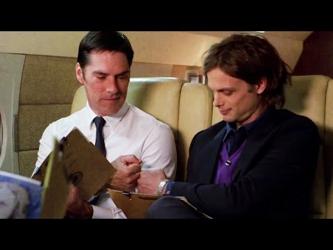 Criminal Minds: Hotch fistbumps Reid 10x11