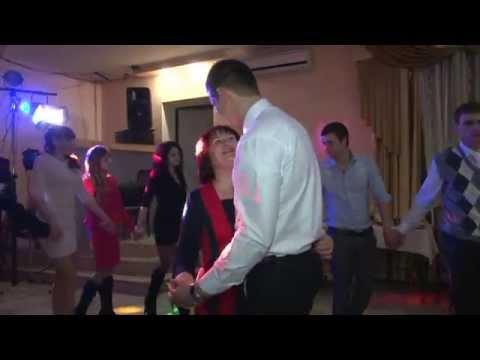 Танец мамы с сыном. На свадьбе у сына.г.Волчанск