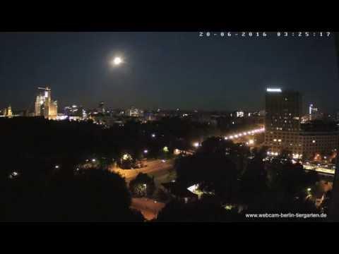 Monduntergang in Berlin, 20.06.2016