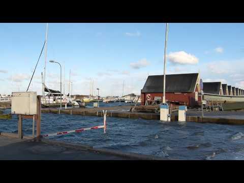 Rønnerhavnen er oversvømmet i Frederikshavn - Orkanen Bodil 2013
