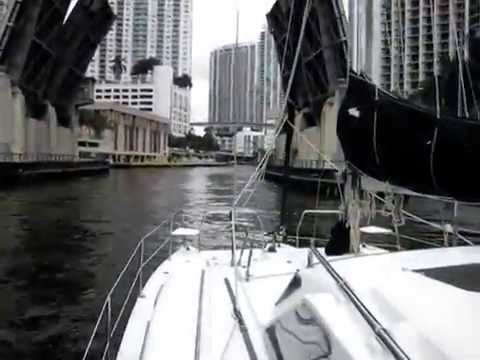 Marine Survey and Sea Trial of a 2006 34' Gemini 105Mc - West Palm Beach, Florida
