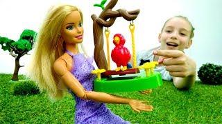 Игрушки для девочек - Кукла Барби в зоопарке - Видео про кукол