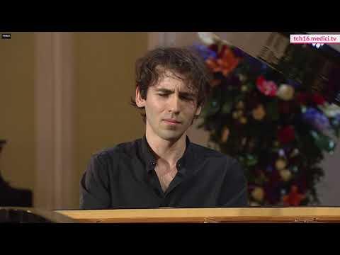 Alexandre Kantorow plays Chopin Etude Op. 10 n.8 in F major