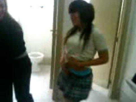 Ricos culos en la estacion de servicio argentina - 3 part 7