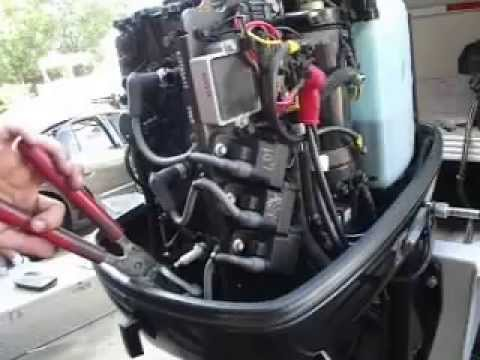 Mercury Outboard Motor running on one cylinder!  YouTube