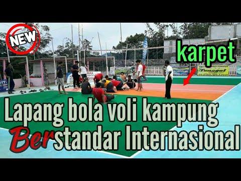 Keren...!!! Lapangan Bola Voli Kampung Lantainya Karpet (foto)