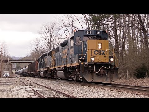 CSX Local with Square Cab Switching Oak Ridge Hardwoods
