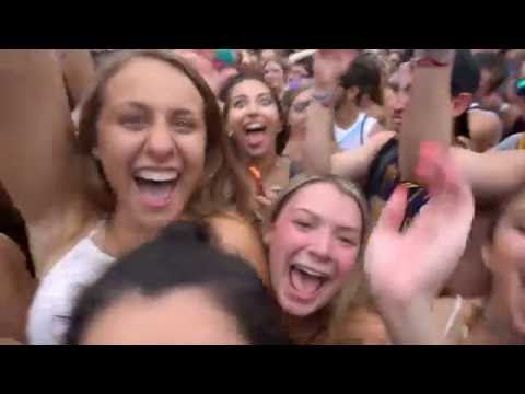 Sneaking Into Lolla 2016