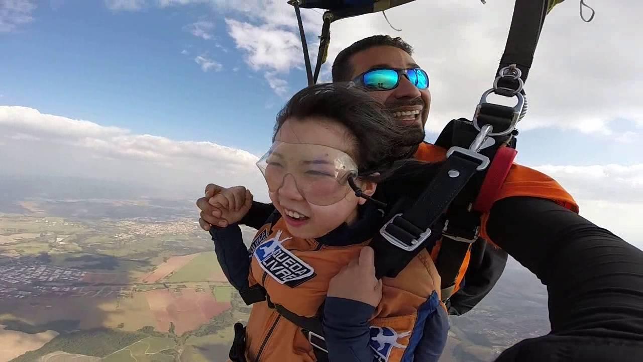 Salto de Paraqueda da Sihua Feng na Queda Livre Paraquedismo 31 07 2016