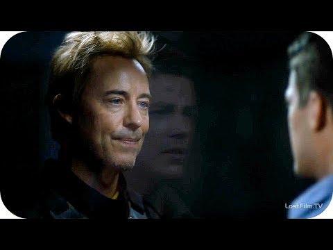 Барри приходит к Тоуну в 2049 году.Флэш