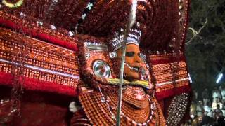 Athiyadam Muchilotkavu Theyyam Kaliyattam 2013 - Part 04 (Travel Kannur Kerala Videos)