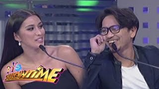 Video It's Showtime Miss Q & A: Rachelle Peters on Jhong Hilario download MP3, 3GP, MP4, WEBM, AVI, FLV Juni 2018