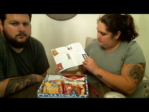 Unboxing [ Eating Show ] With the Cooks | Universal Yum Box COLUMBIA! | Let's Eat!