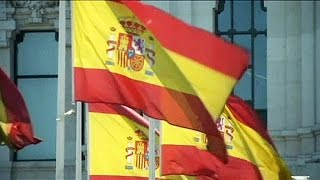 Summer tourism helps Spain