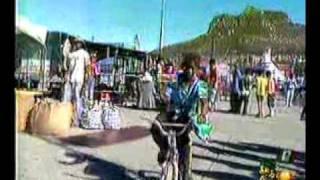Mara y su Tribu -- Doña Lucha  - El Tia...