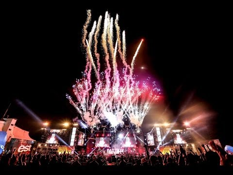 BIG ASS เล่นของสูง || Pattaya Music Festival 2014 Official