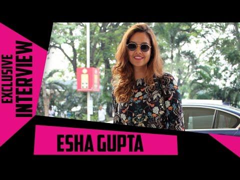 Exclusive Interview | Quick 5 With Commando 2 Actress Esha Gupta - Part 1