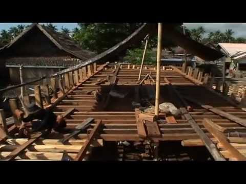 www.boatbuildingindonesia.com : Wooden Boat Construction of Phinisi Lambo in South Sulawesi