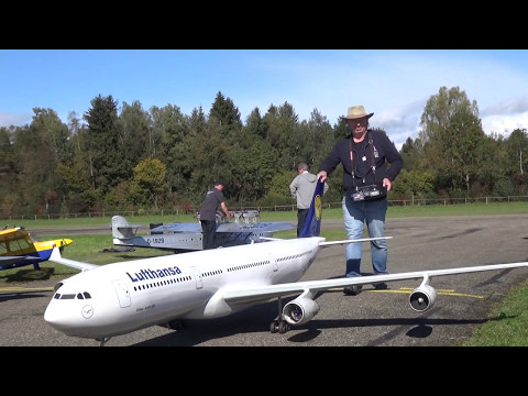 *New Video of* 2x Huge R/C Airliner MD-11 TAM and A-340 Lufthansa fly together