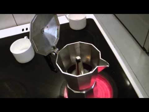 Обзор гейзерной кофеварки