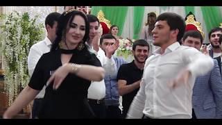 Лезгинка на Свадьбе 2018  Очень красиво танцуют BEST DANCE LEZGINKA 2018