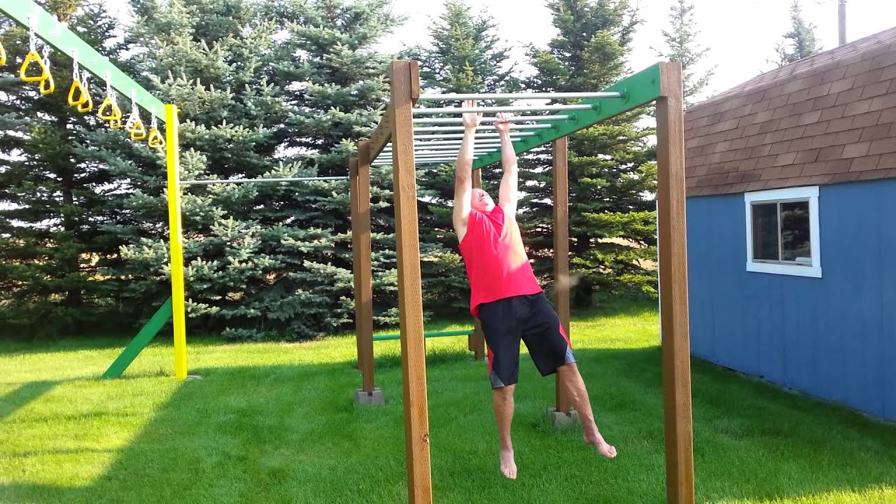 how to use monkey bars
