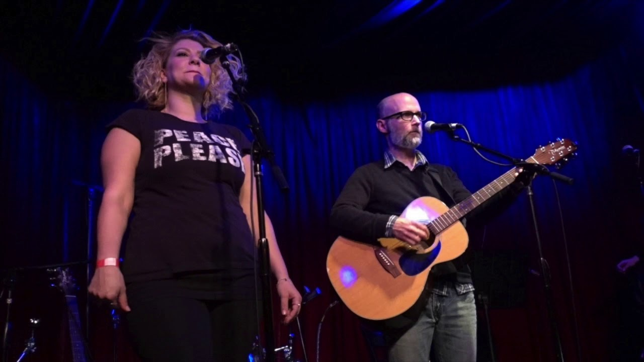 moby-blue-moon-acoustic-live-at-bbc-radio-2-session-2011-mobynews