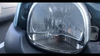 Renault Twingo 1 phase 2 : Changer ampoule veilleuse phare avant