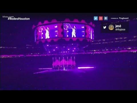 Kacey Musgraves surprises RodeoHouston fans with Selena's 'Como La Flor' Mp3