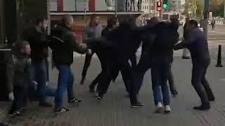 Смотреть видео В Москве фанаты ЦСКА и Спартака подрались перед матчем онлайн