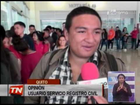 Ciudadanos acuden al registro civil por cédula de identidad