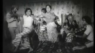 """Aayamma Kothana Giya"" -  Claude de Zoysa, Angeline Gunathilake and Mala Padmini (circa 1978)"