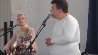 http://www.apg29.nu Emilia och Robert Lindberg sjunger Barnabön i G...