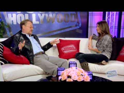 MAD MEN Star Jared Harris on Sneaking Booze Into the Emmys!