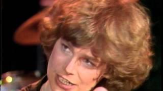 Dick Clark Interviews Cindy Bullens - American Bandstand 1980