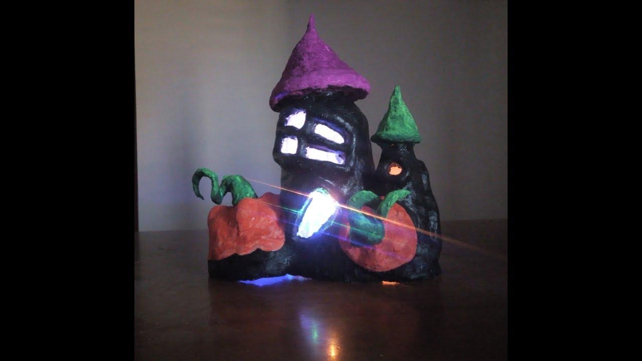Castello Di Cartone Art Attack : Come creare un castello di halloween con bottiglie di plastica