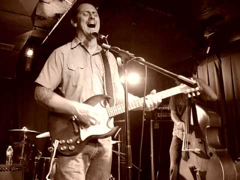 Eric Lindell- Bodega (Sullivan Hall- Fri 9/9/11)