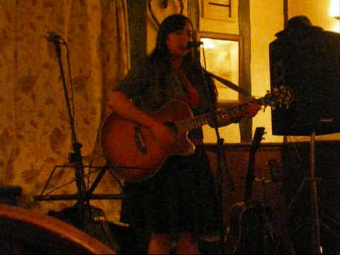 Heather Mc Vey at Debenham folk night.