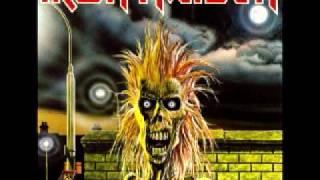 Gambar cover Iron Maiden - Prowler with lyrics