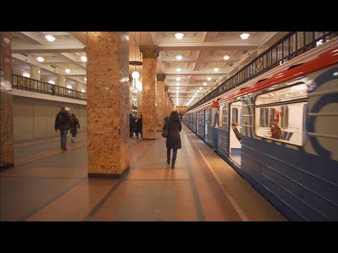 Russia, Moscow, metro ride from Чи́стые пруды́ (Chistyye Prudy) to Комсомо́льская (Komsomolskaya)