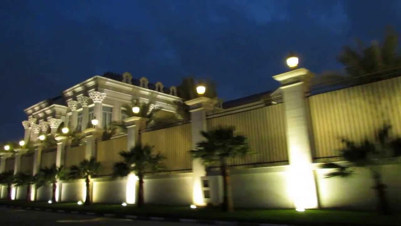 Qatar Sheikh S Beautiful Palace Youtube