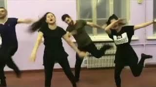 Танец скуби ду па па жду всех в инстаграм  https://www.instagram.com/erikaraks99official/