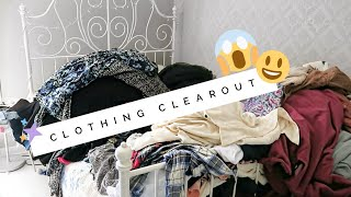 DECLUTTER WITH ME | My Closet | Alexa Likes