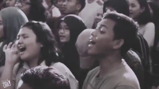 Download Video This is Live - payung teduh - menuju senja MP3 3GP MP4