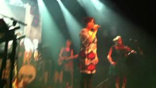Erin - Vanha nainen hunningolla (live)